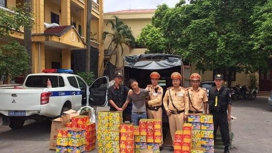 非法運載近 300 公斤鞭炮被捕