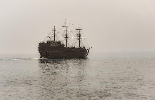 韓國貨船在新加坡海峽遭海盜襲擊