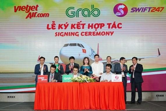 越捷與兩公司簽訂全面合作協議