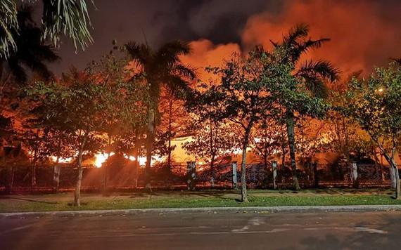 巴地-頭頓腰果倉庫發生大火