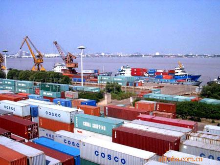 越南港口货物吞吐量继续猛增