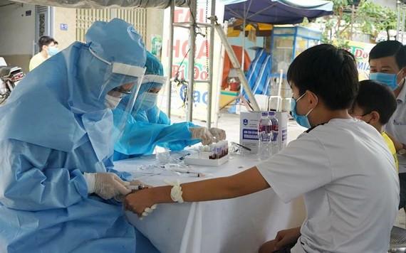 各地加緊擴大疫情檢測工作