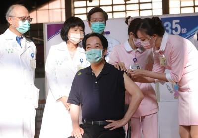 台灣副總統施打疫苗 中華民國110年08月27日