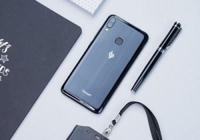 越南VinSmart智能手机与俄罗斯消费者见面