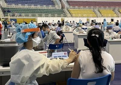 胡志明市完了新冠疫苗第一劑接種 確診病例比例有所下降