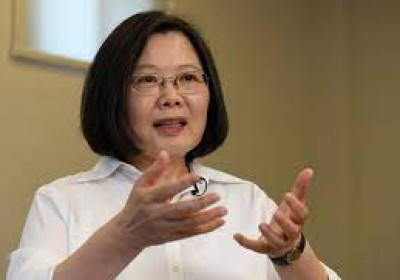 台灣總統視察「國家太空中心」