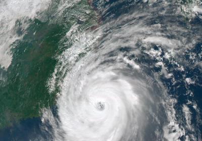 风暴余威不减 越南中部面临洪水滑坡威胁